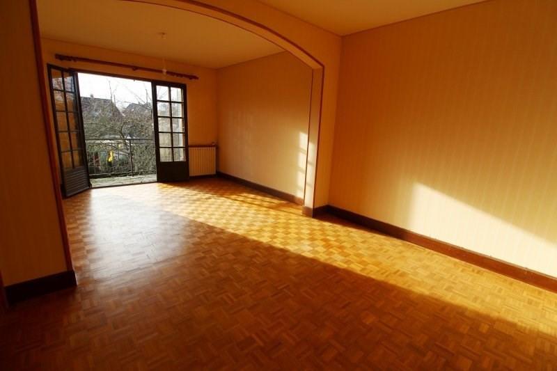 Rental house / villa Le mesnil st denis 1230€ CC - Picture 2