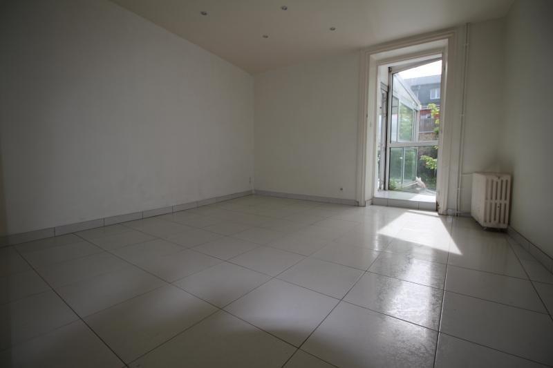 Sale apartment Lorient 74000€ - Picture 2