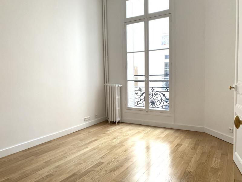 Rental apartment Paris 8ème 2768,61€ CC - Picture 7