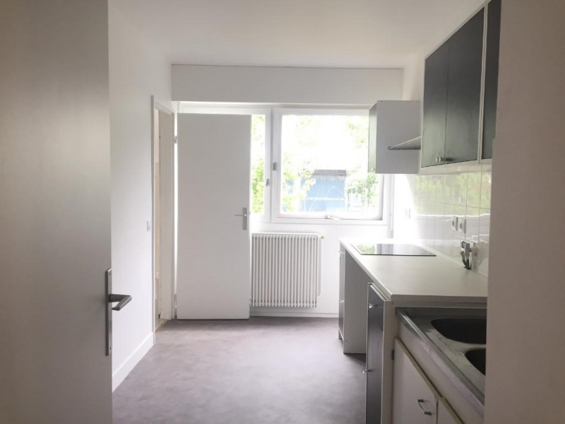 Location appartement Levallois perret 1 322€ CC - Photo 2