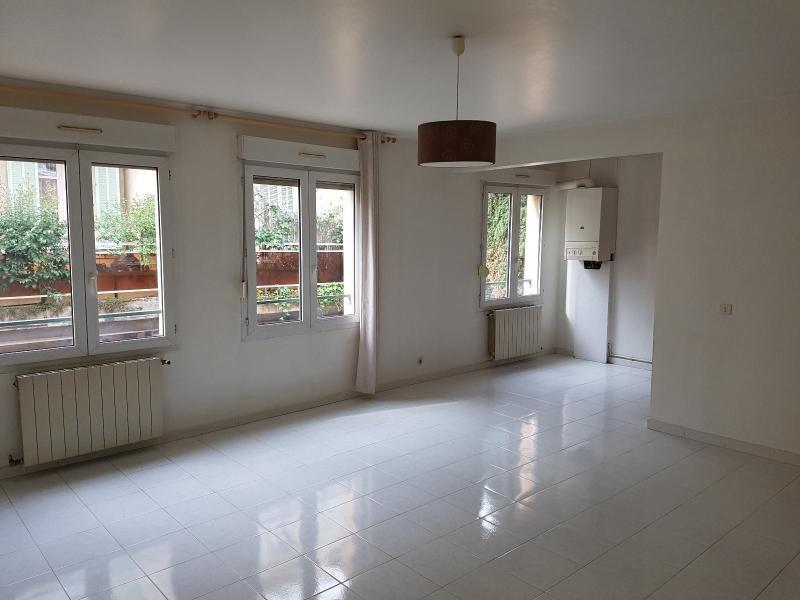 Location appartement Aix en provence 869€ CC - Photo 2