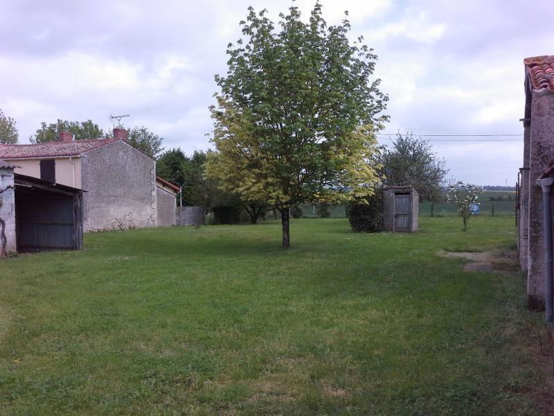 Vente maison / villa Fontenay le comte 87000€ - Photo 2