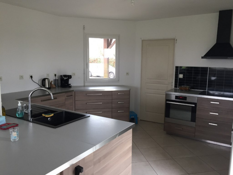 Sale house / villa Meslay du maine 223170€ - Picture 2
