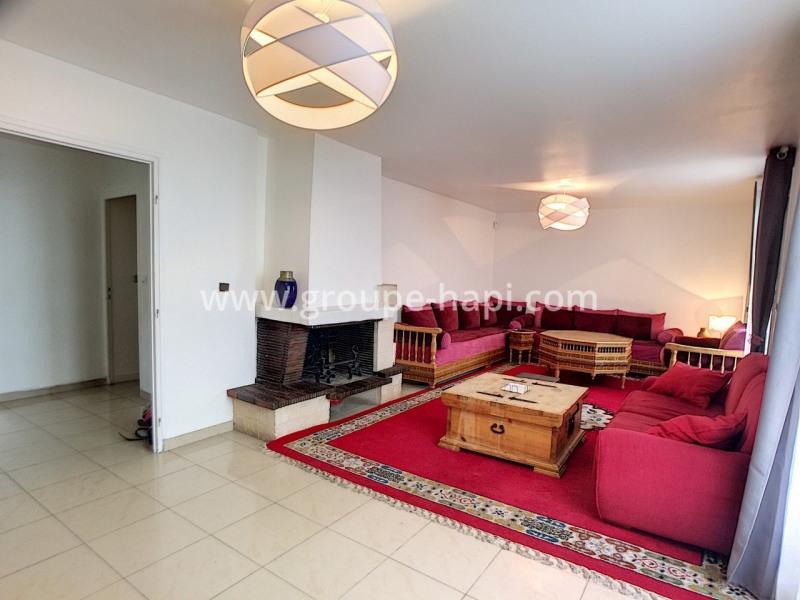 Sale house / villa Cauffry 302000€ - Picture 2