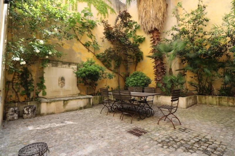 Revenda residencial de prestígio casa Arles 1200000€ - Fotografia 2
