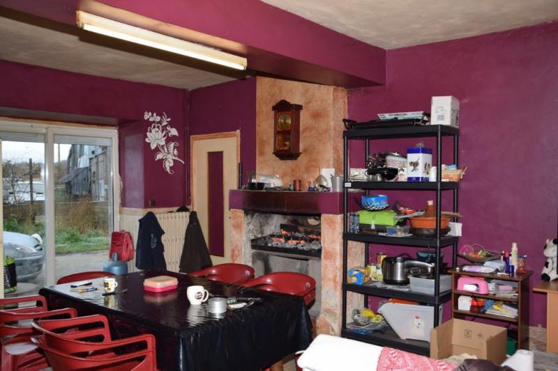 Sale house / villa Chaumont d'anjou 165600€ - Picture 2
