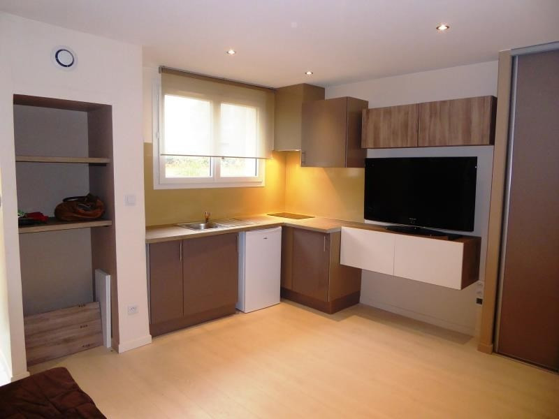 Sale apartment Bron 90000€ - Picture 1