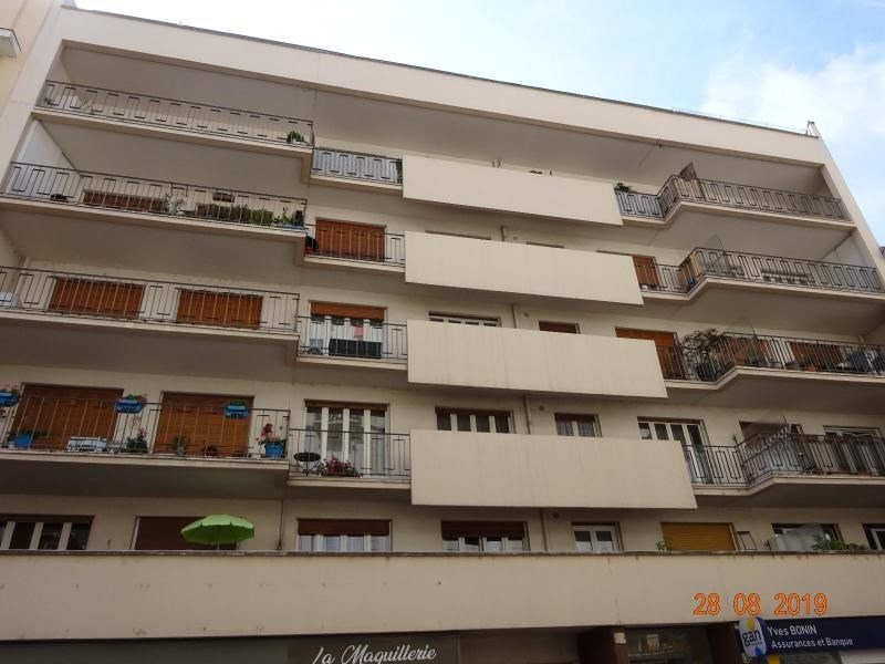 Location appartement Vichy 1 460€ CC - Photo 1