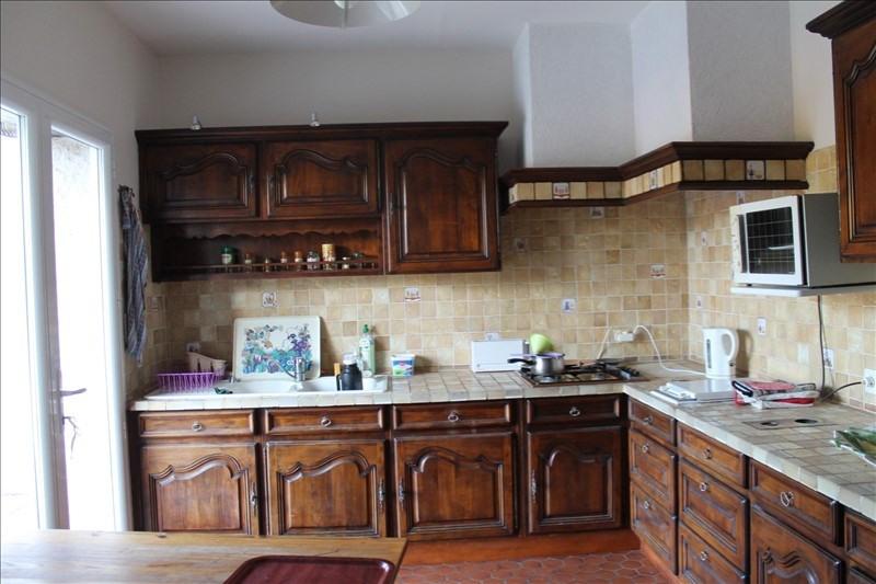 Sale house / villa La chartre sur le loir 242000€ - Picture 4