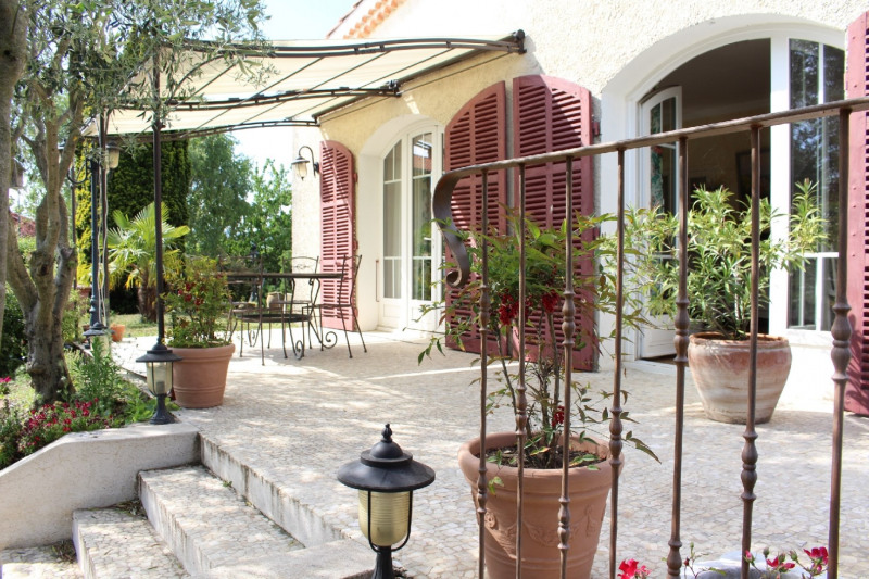 Deluxe sale house / villa Taluyers 580000€ - Picture 1