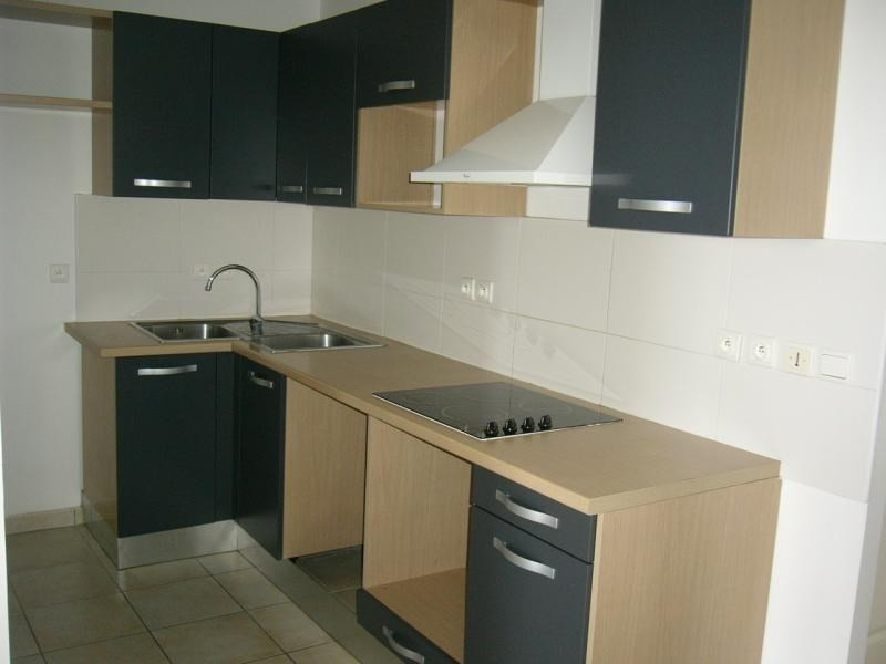 Rental apartment Ste clotilde 538€ CC - Picture 2