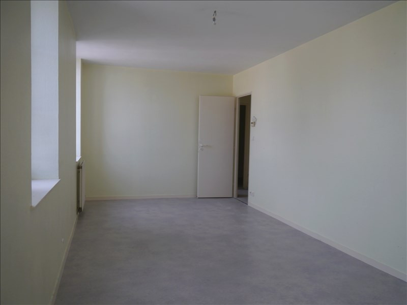 Rental apartment Tesson 418€ CC - Picture 4