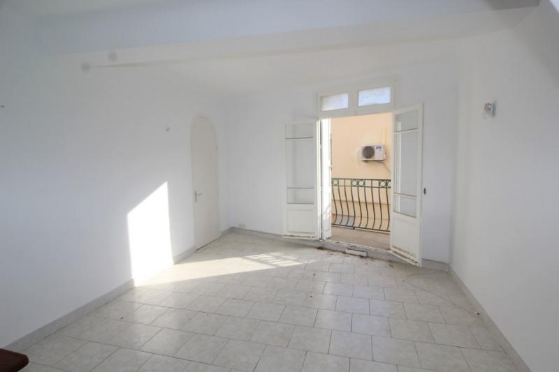 Appartement de type 3,85 m² proche des quais