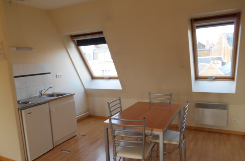 Rental apartment Saint quentin 398€ CC - Picture 2
