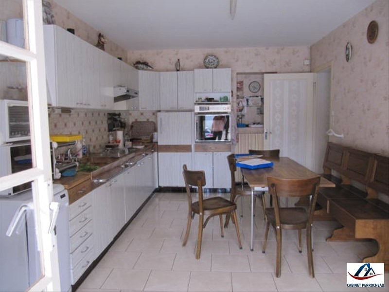 Sale house / villa Neuvy le roi 212 000€ - Picture 2