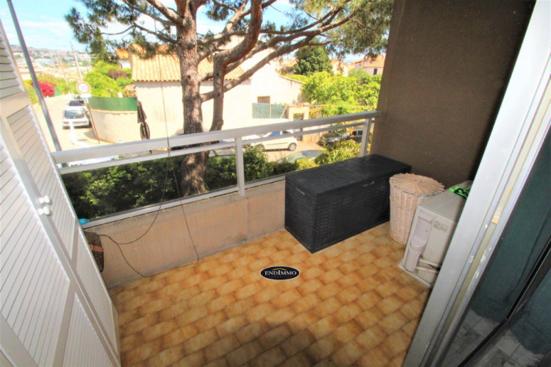 Sale apartment Saint laurent du var 115 000€ - Picture 2