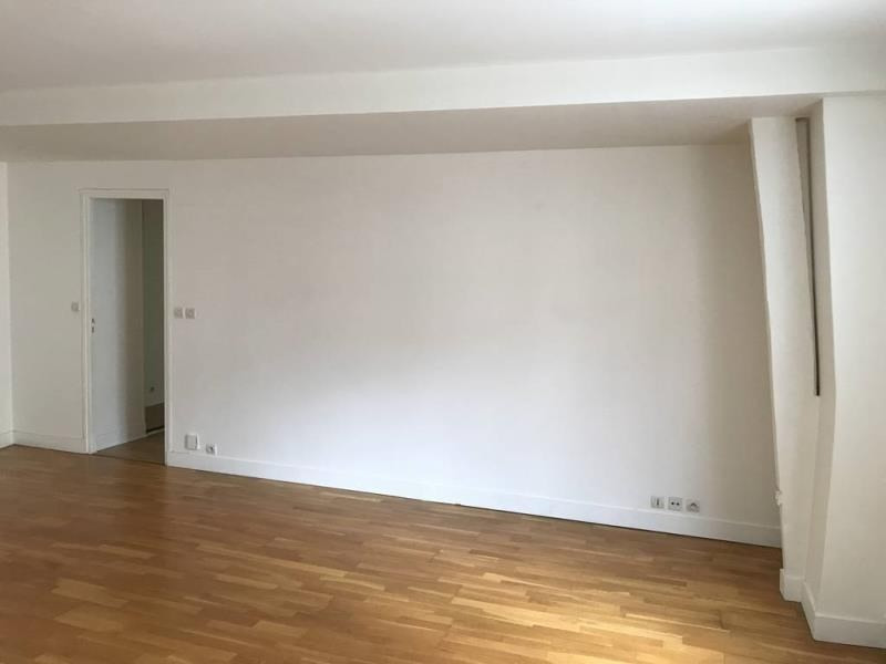 Vente de prestige appartement Paris 3ème 1 066 000€ - Photo 2