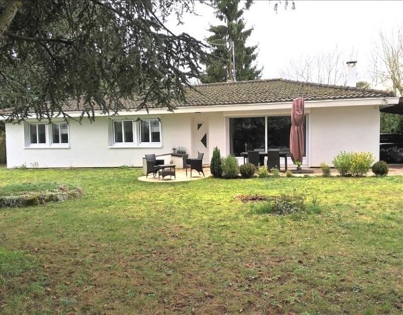 Sale house / villa Feucherolles 516000€ - Picture 1