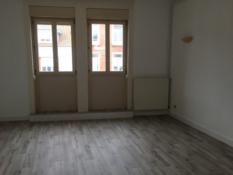 Rental apartment Saint omer 550€ CC - Picture 2