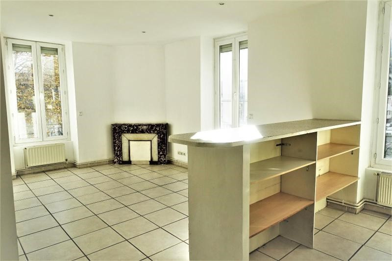 Location appartement Saint etienne 435€ CC - Photo 2