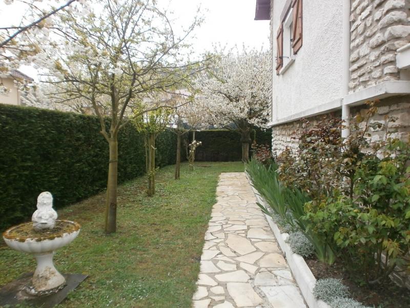 Sale house / villa Ivry la bataille 242000€ - Picture 11