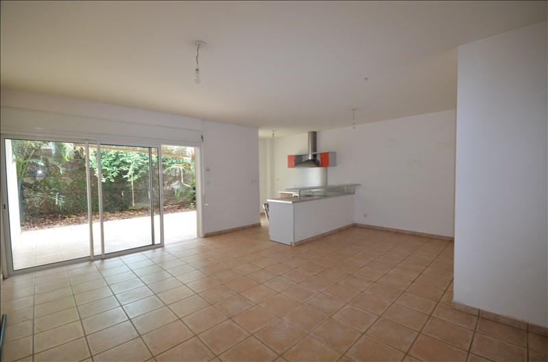 Rental apartment Saint pierre 708€ CC - Picture 4