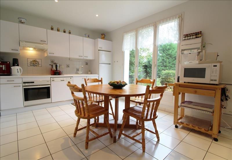 Sale house / villa Maurepas 519000€ - Picture 4