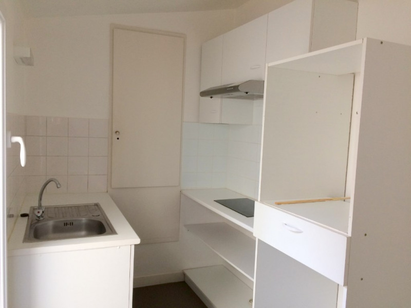 Rental apartment La rochelle 730€ CC - Picture 3
