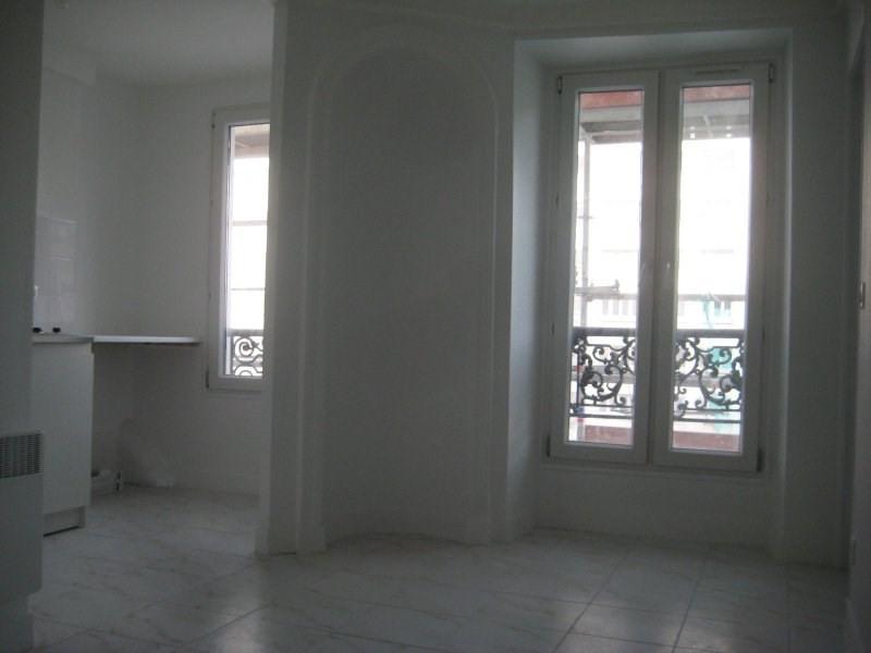 Location appartement Paris 18ème 900€ CC - Photo 5