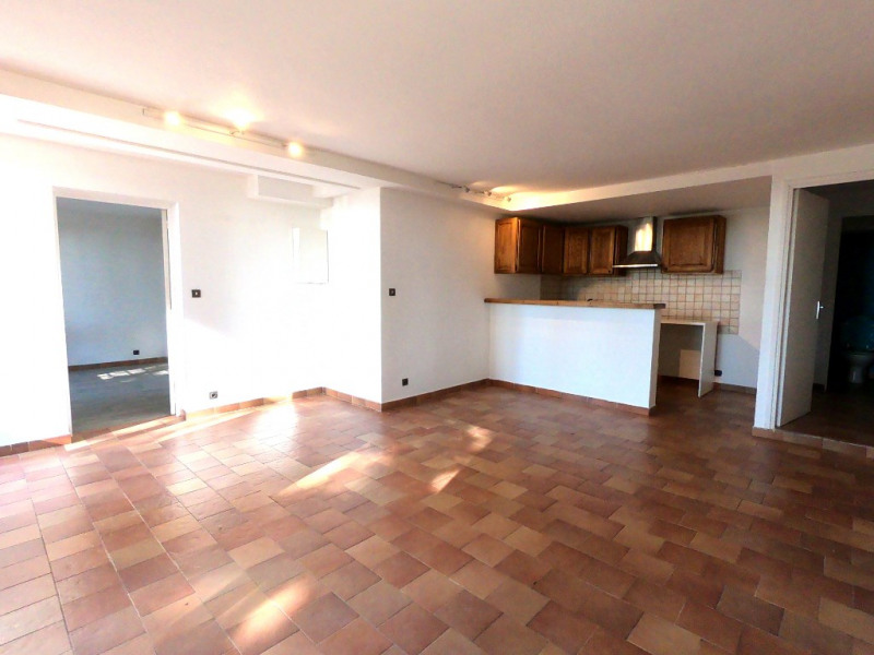 Location appartement Aix en provence 898€ CC - Photo 2
