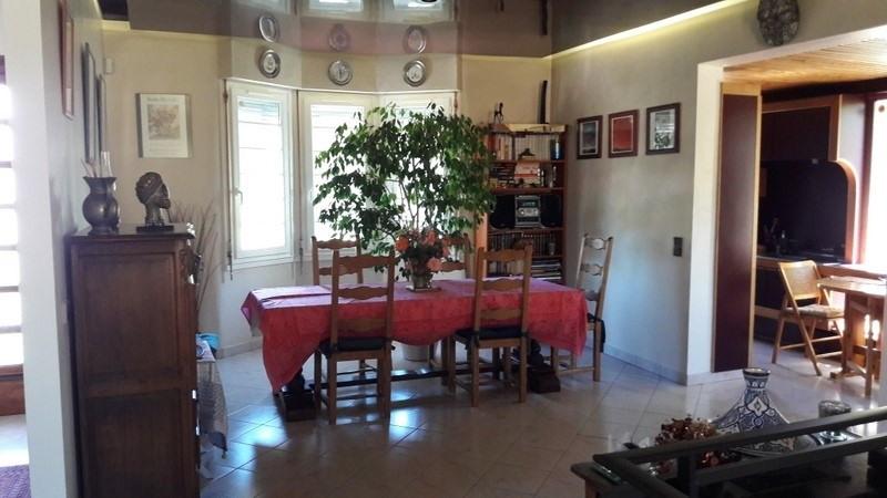 Sale house / villa Montpon menesterol 189000€ - Picture 2