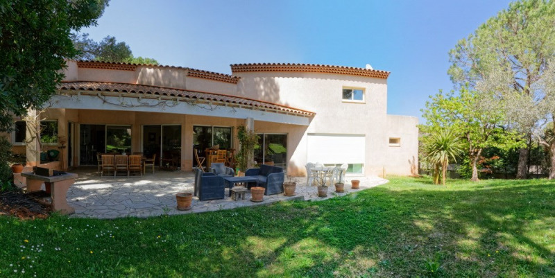 Deluxe sale house / villa Langlade 640000€ - Picture 1