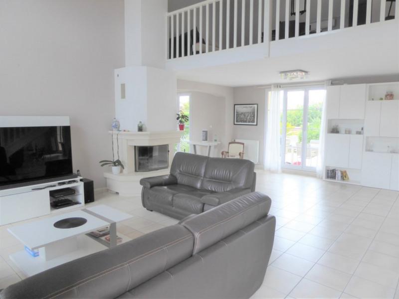 Sale house / villa Mennecy 480000€ - Picture 2