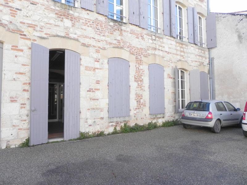 Agen hyper centre - ancien bureaux en rdv avec parking