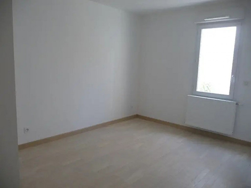 Rental apartment Collonges au mont d'or 830€ CC - Picture 3