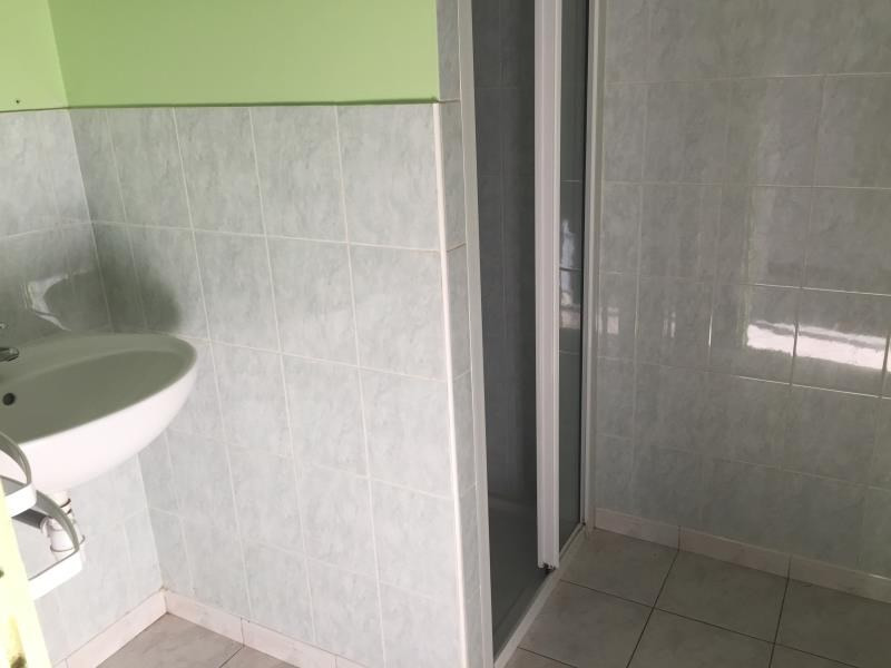 Sale house / villa St germain sur ay 105750€ - Picture 4