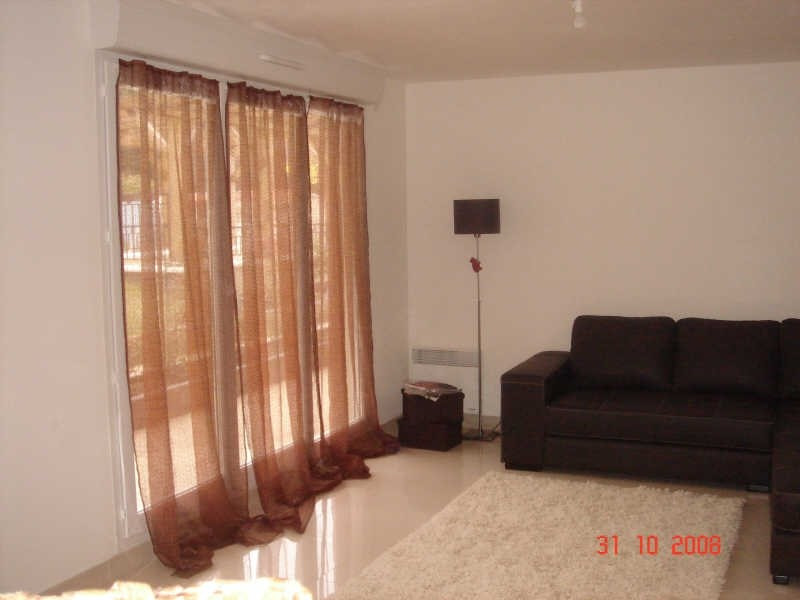Rental apartment Lamorlaye 830€ CC - Picture 3