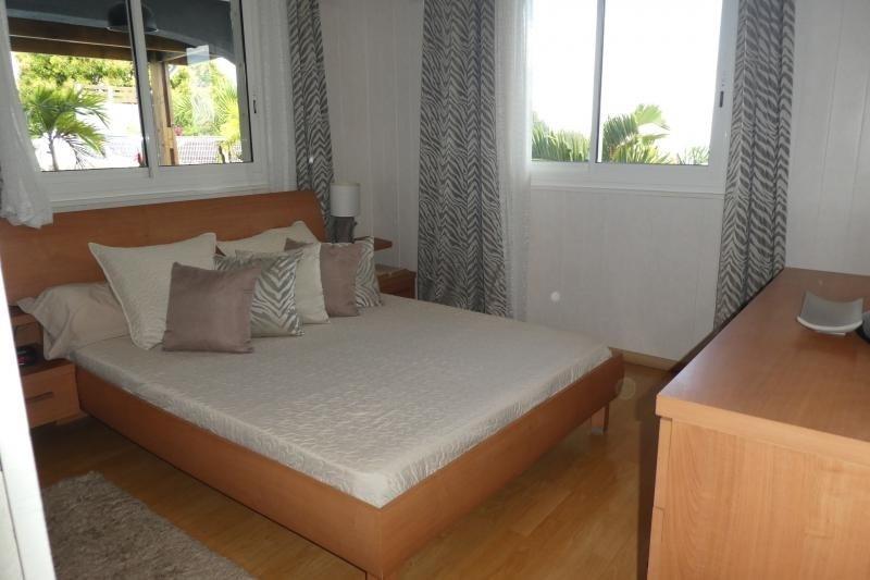 Sale house / villa Petite ile 475000€ - Picture 6