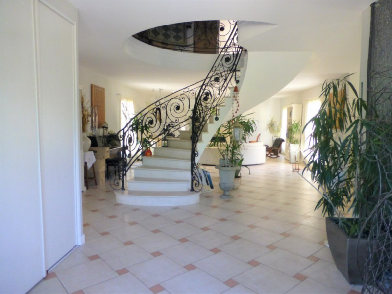 Location maison / villa Orgeval 3 500€ CC - Photo 2