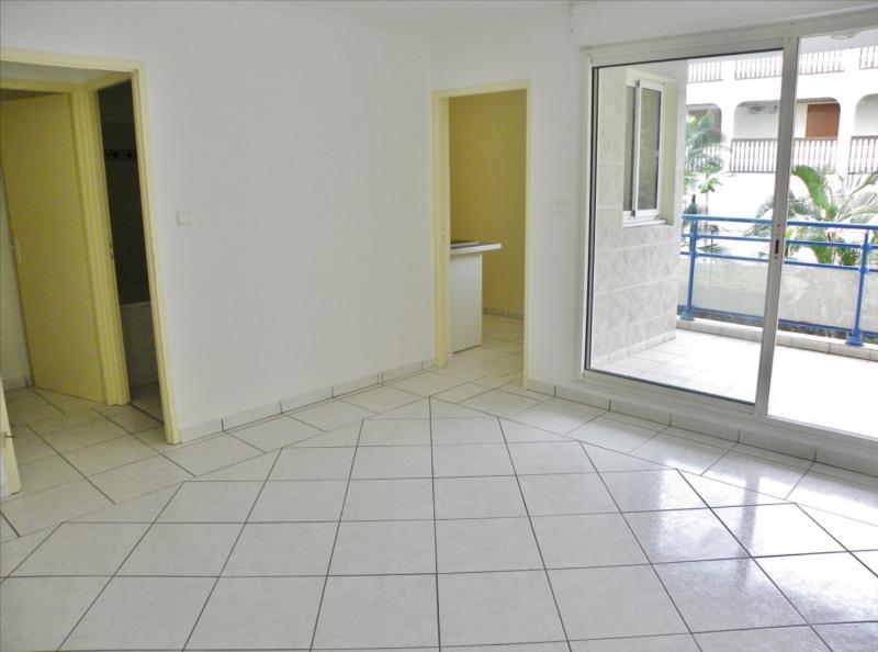 Rental apartment Saint denis 430€ CC - Picture 3