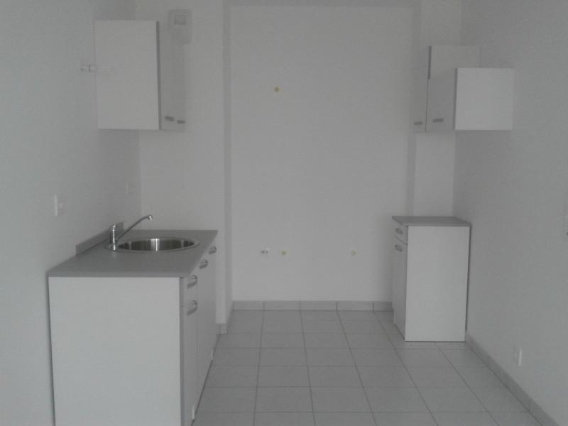 Location appartement Le mee sur seine 650€ CC - Photo 3