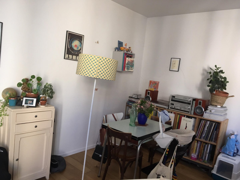 Rental apartment Paris 18ème 1300€ CC - Picture 2