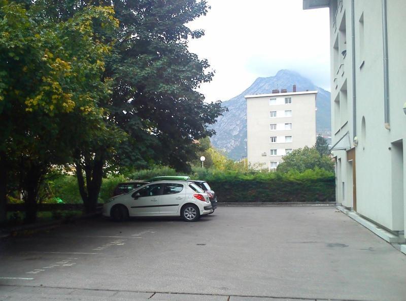 Location parking Grenoble 45€ CC - Photo 1