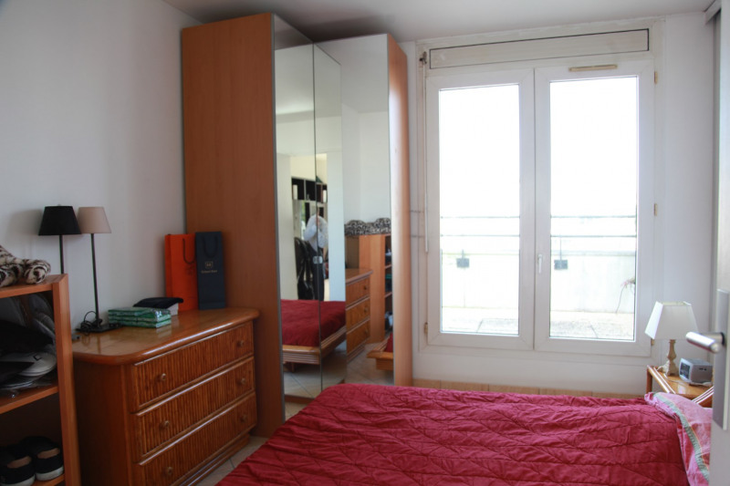 Sale apartment Courbevoie 388 000€ - Picture 4