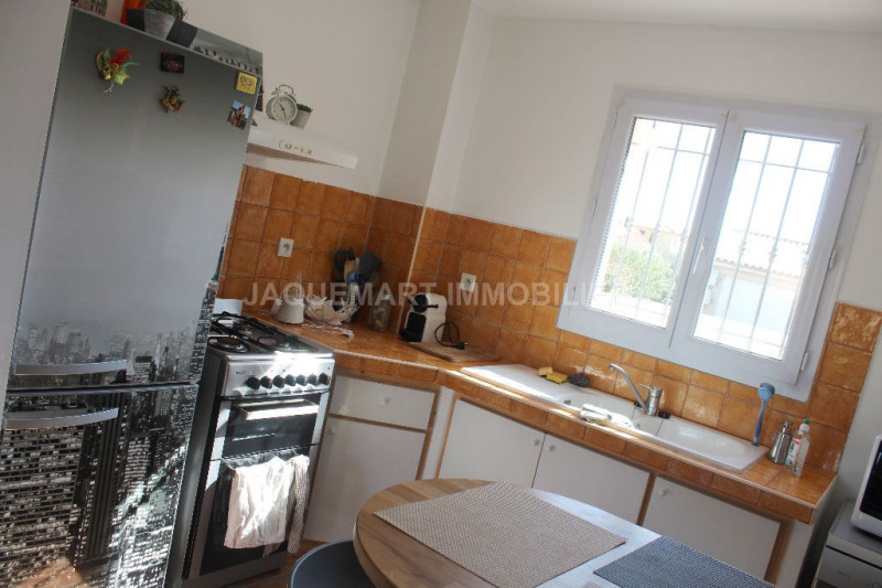 Rental house / villa Lambesc 950€ CC - Picture 10