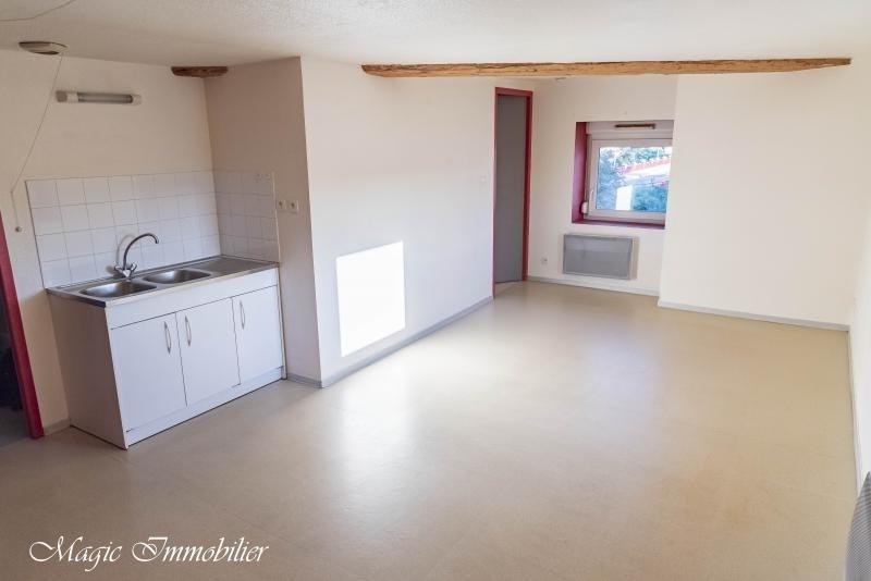Rental apartment Pont-d'ain 344€ CC - Picture 2