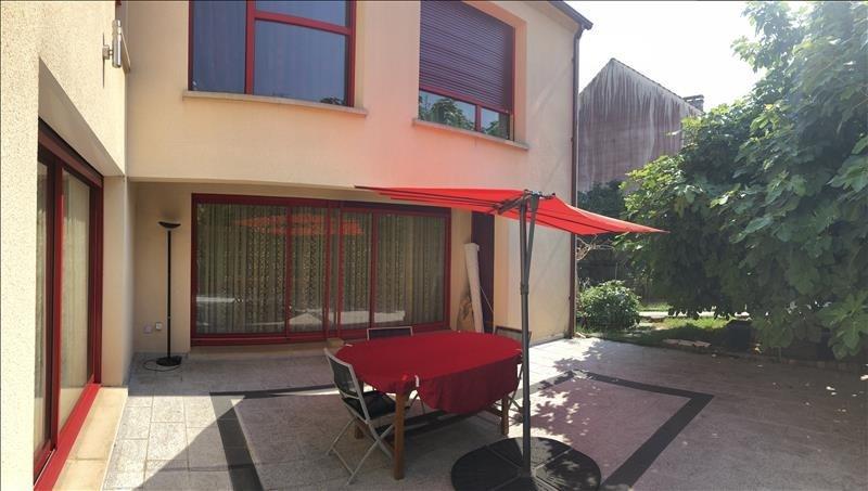 Deluxe sale house / villa St germain en laye 1700000€ - Picture 1