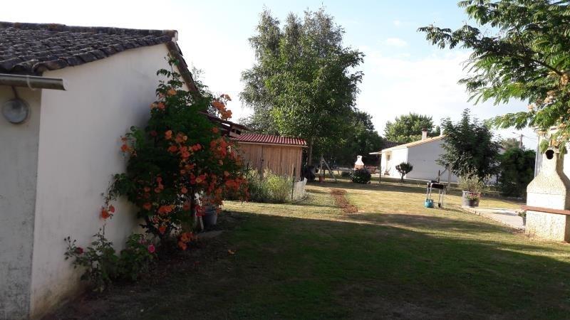 Vente maison / villa Azay le brule 176800€ - Photo 8