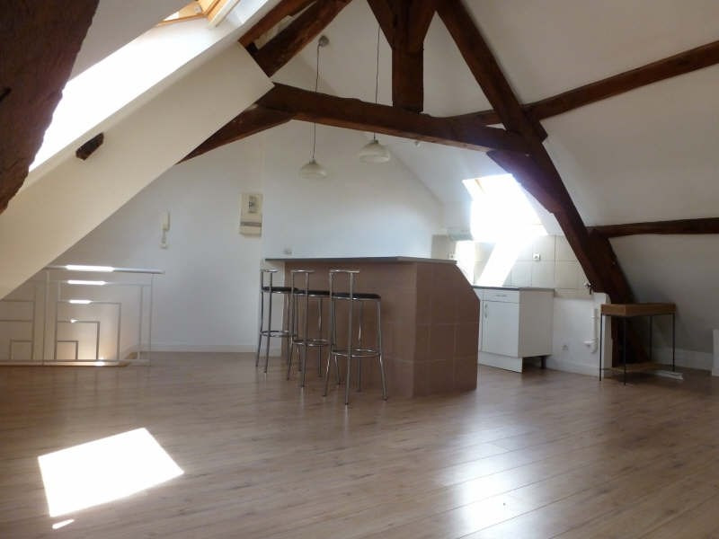 Rental apartment St germain en laye 900€ CC - Picture 1