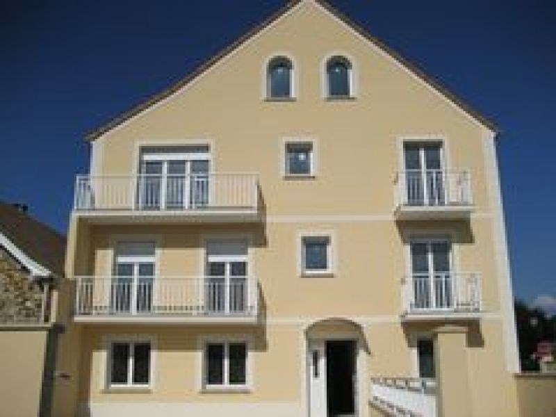 Rental apartment Le plessis pate 845€ CC - Picture 1